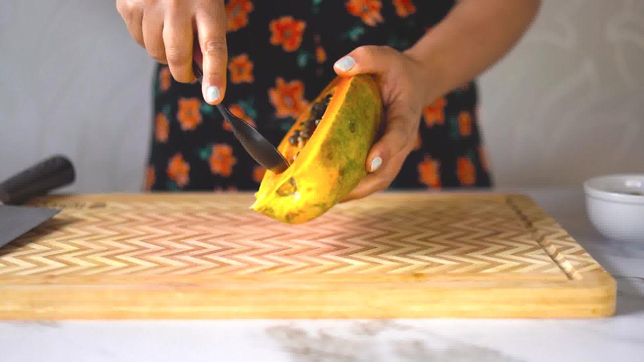 Image of the cooking step-1-1 for Papaya Shake - Papaya Smoothie