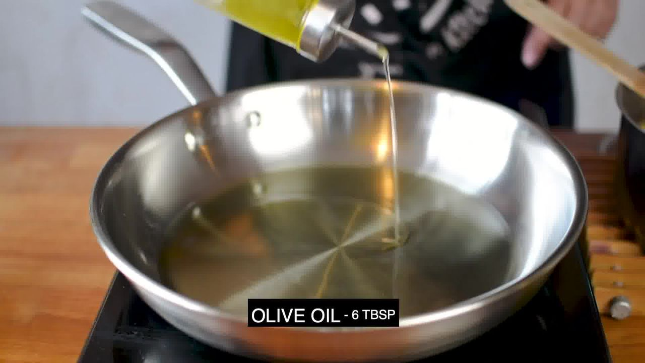 Image of the cooking step-1-4 for Pasta Aglio E Olio (Spaghetti with Oil and Garlic)