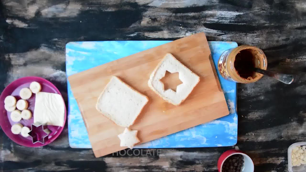 Image of the cooking step-1-1 for Peanut Butter Chocolate Banana Sandwich | Video Recipe
