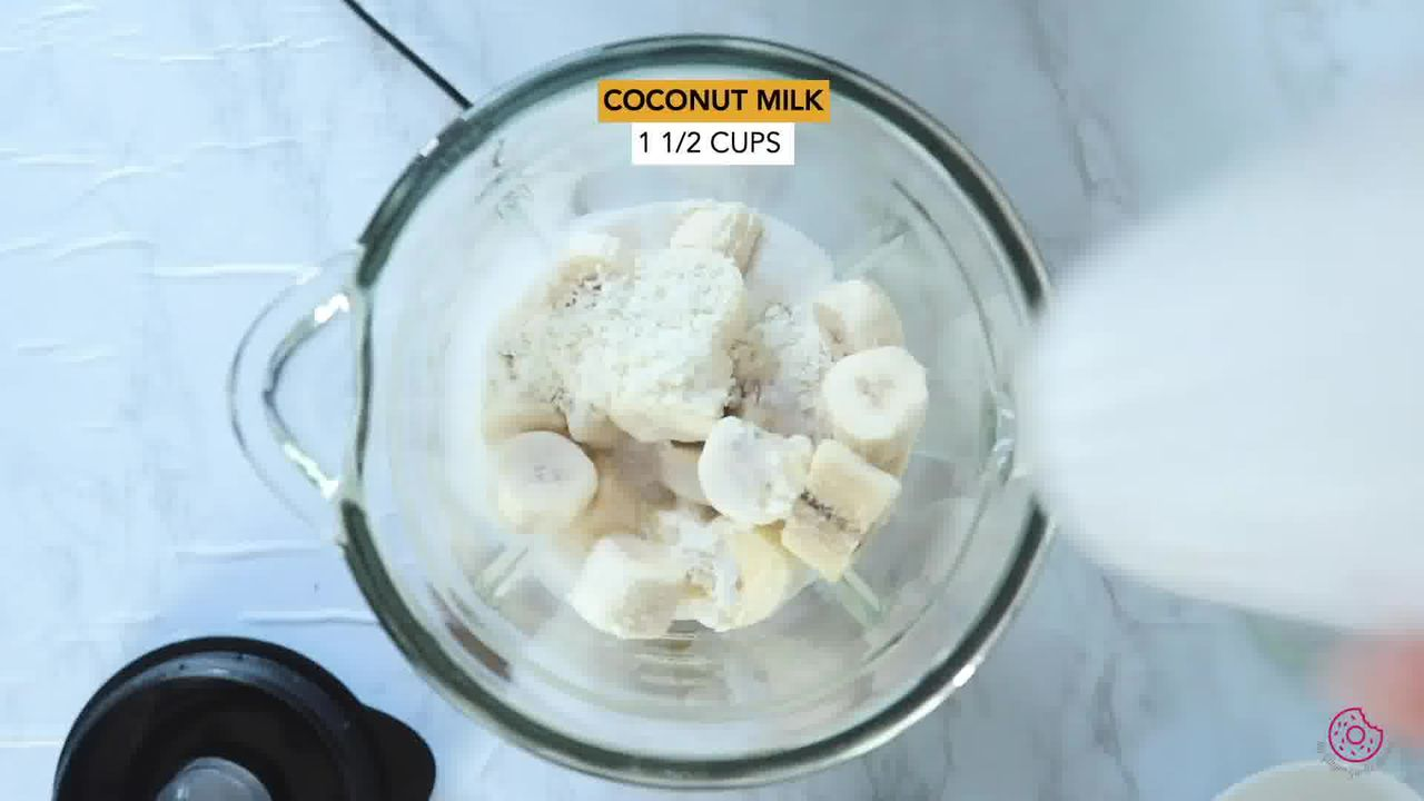 Image of the cooking step-1-1 for Pineapple Coconut Smoothie