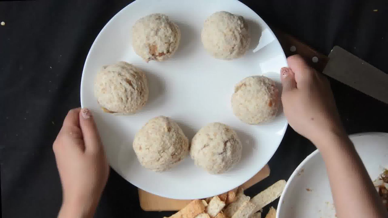 Image of the cooking step-2-5 for Bread Roll (Video)