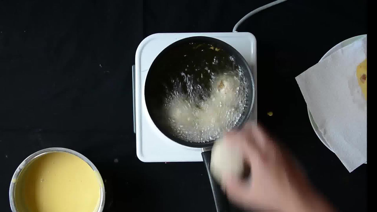 Image of the cooking step-2-6 for Bread Roll (Video)