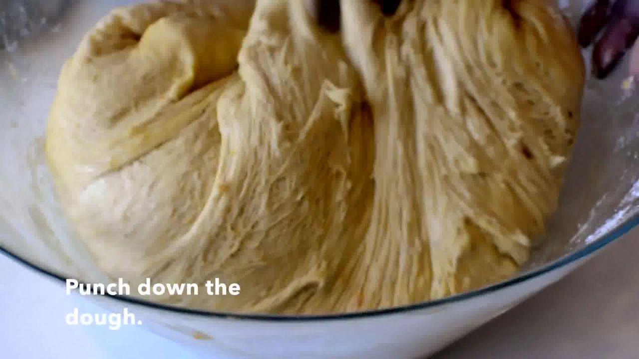 Image of the cooking step-3-1 for Easy Pumpkin Cinnamon Rolls - Pumpkin Cinnamon Bun