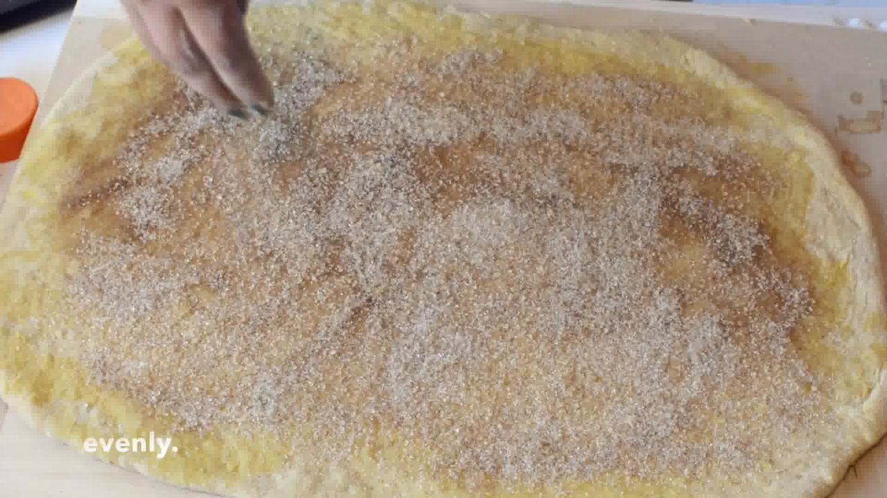Image of the cooking step-3-4 for Easy Pumpkin Cinnamon Rolls - Pumpkin Cinnamon Bun