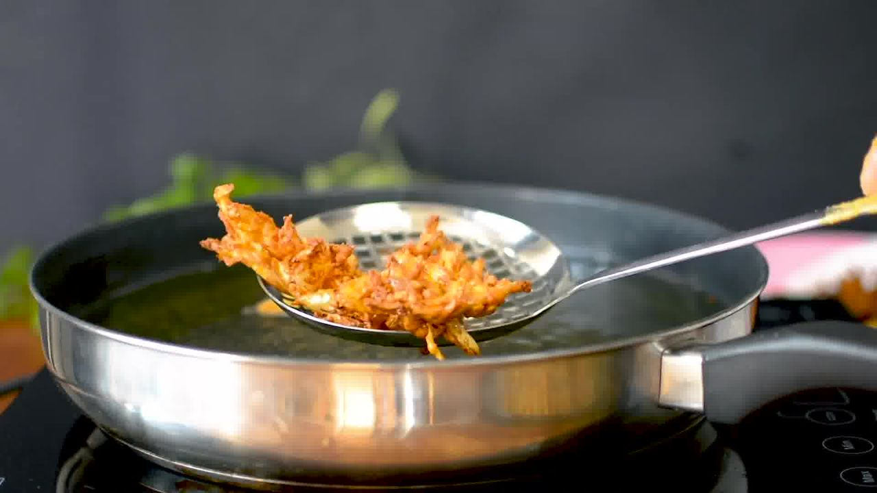 Image of the cooking step-2-5 for Onion Pakoda (Fritters)