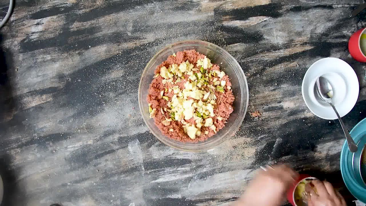Image of the cooking step-4-6 for Rajasthani Gulab Churma Recipe - Rose Choorma Without Oven