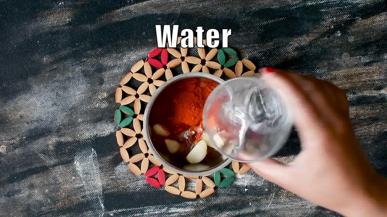 Image of the cooking step-1-1 for Rajasthani Lehsun Ki Chutney - Garlic Chutney (2 Ways)