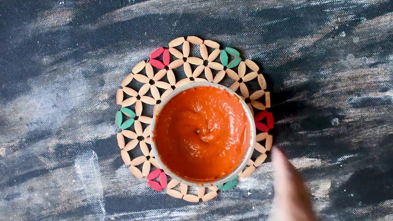 Image of the cooking step-1-2 for Rajasthani Lehsun Ki Chutney - Garlic Chutney (2 Ways)