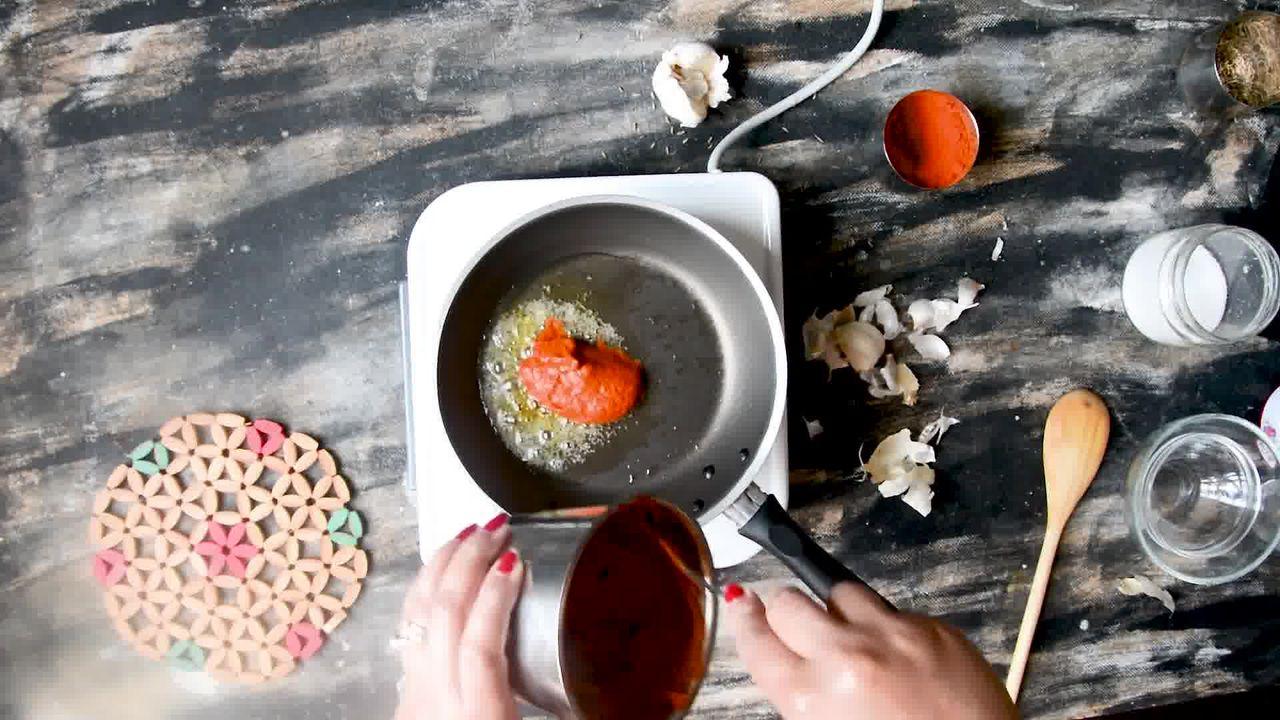 Image of the cooking step-1-5 for Rajasthani Lehsun Ki Chutney - Garlic Chutney (2 Ways)