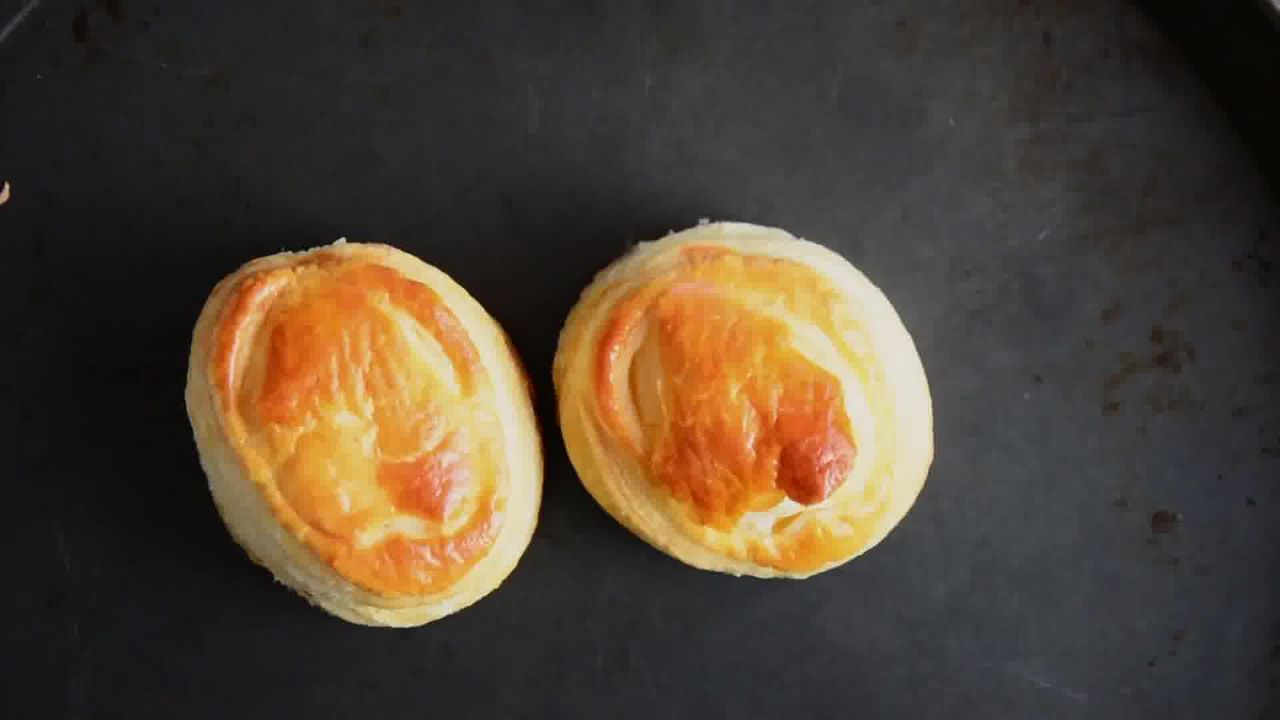 Image of the cooking step-1-9 for Raspberry Crème Fraîche Puff Pastry