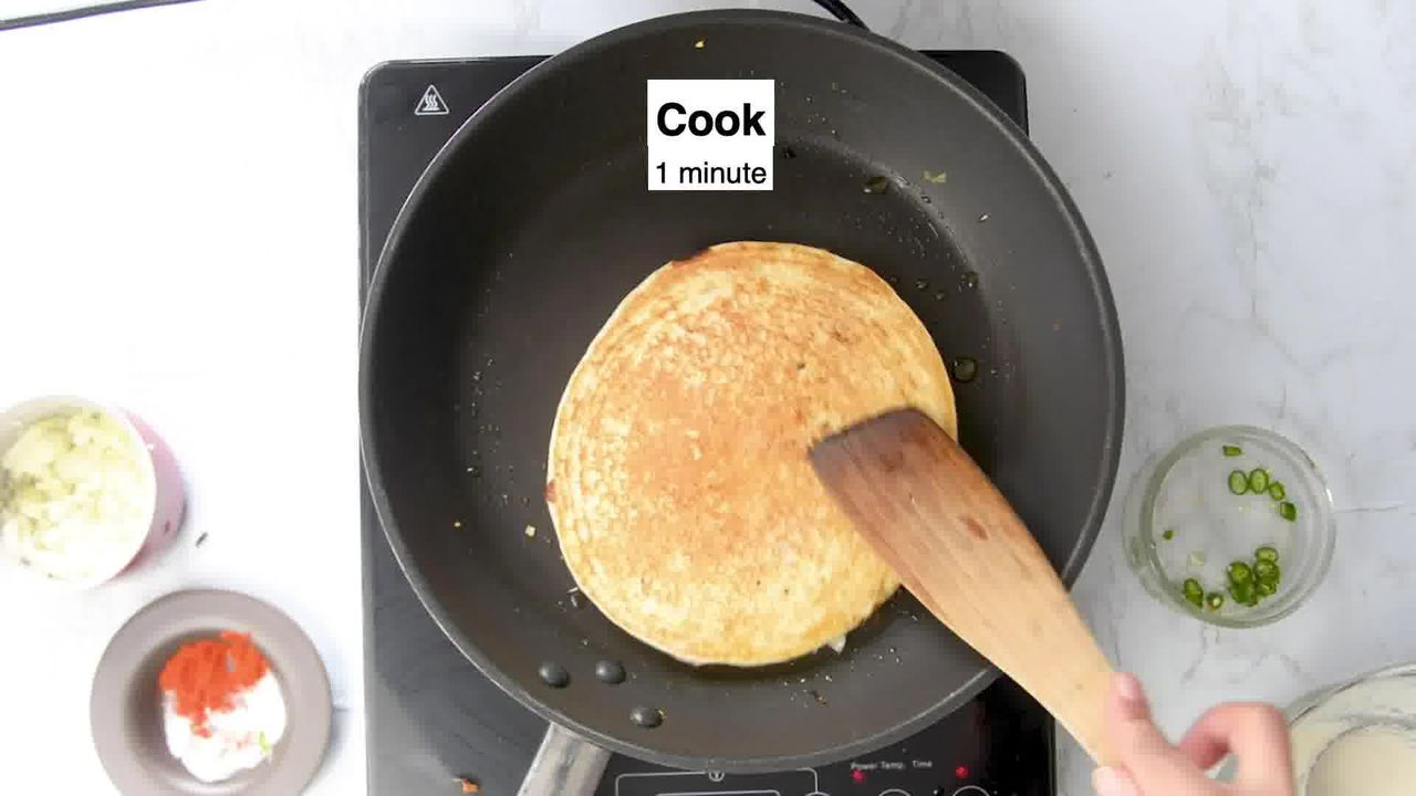 Image of the cooking step-2-10 for Rava Uttapam