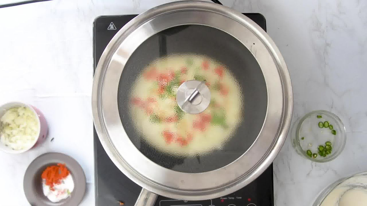 Image of the cooking step-2-7 for Rava Uttapam