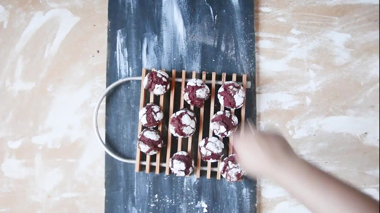 Image of the cooking step-1-10 for Red Velvet Crinkle Cookies