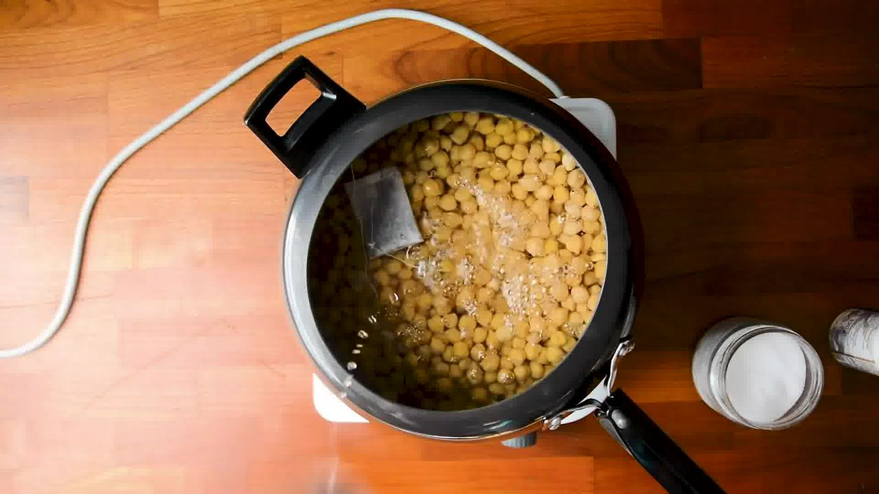 Image of the cooking step-1-2 for Restaurant Style Chana Masala - How to Make Chole Masala