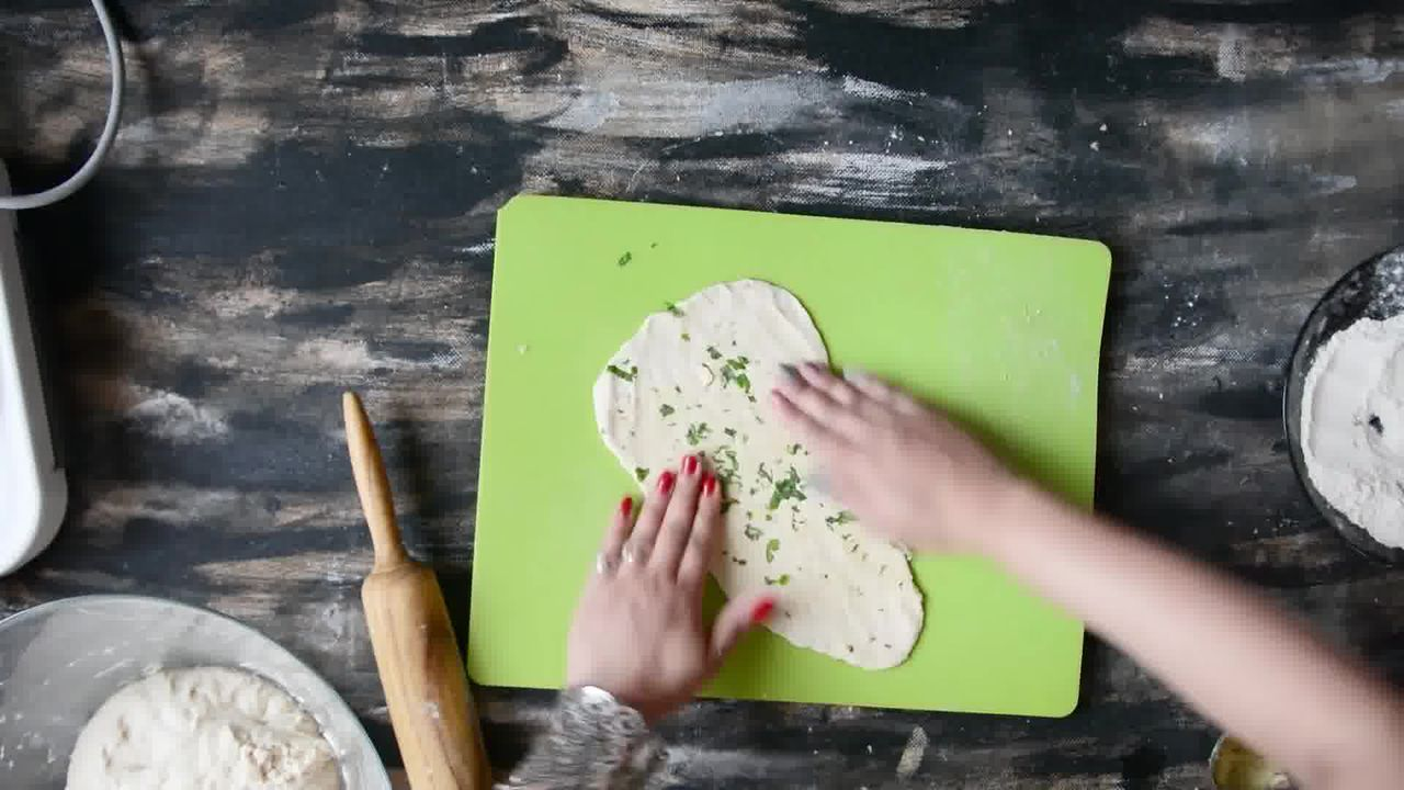 Image of the cooking step-3-2 for Restaurant Style Garlic Naan - 3 Ways