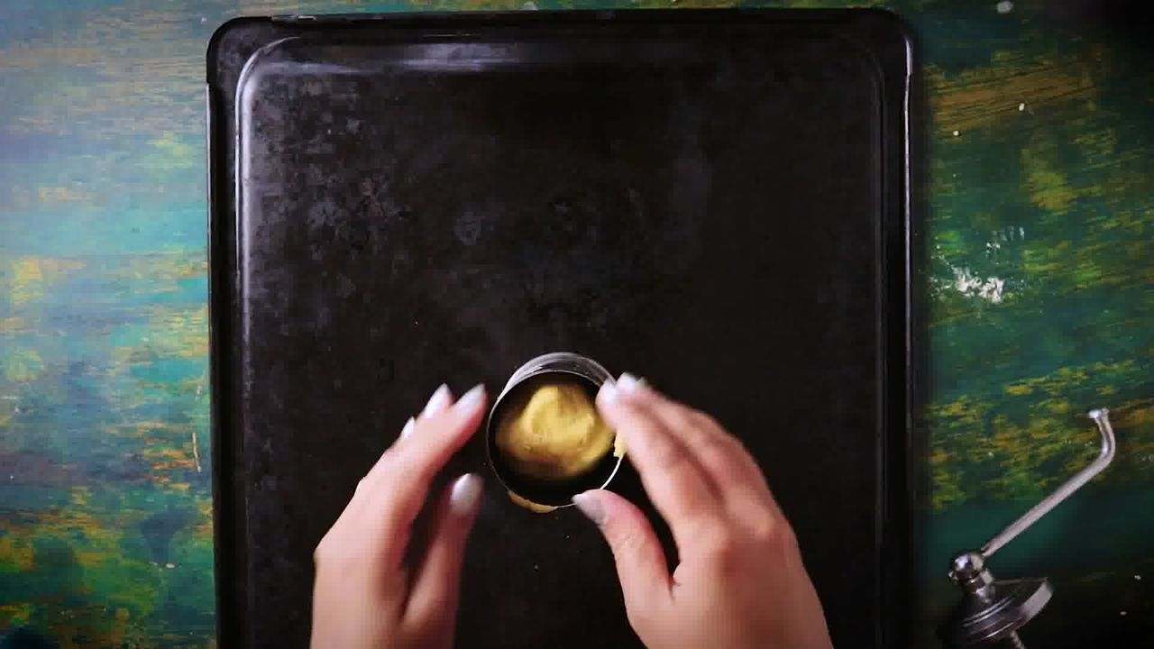 Image of the cooking step-2-2 for Chakli Recipe – Instant Rice Chakli (Fried + Baked)