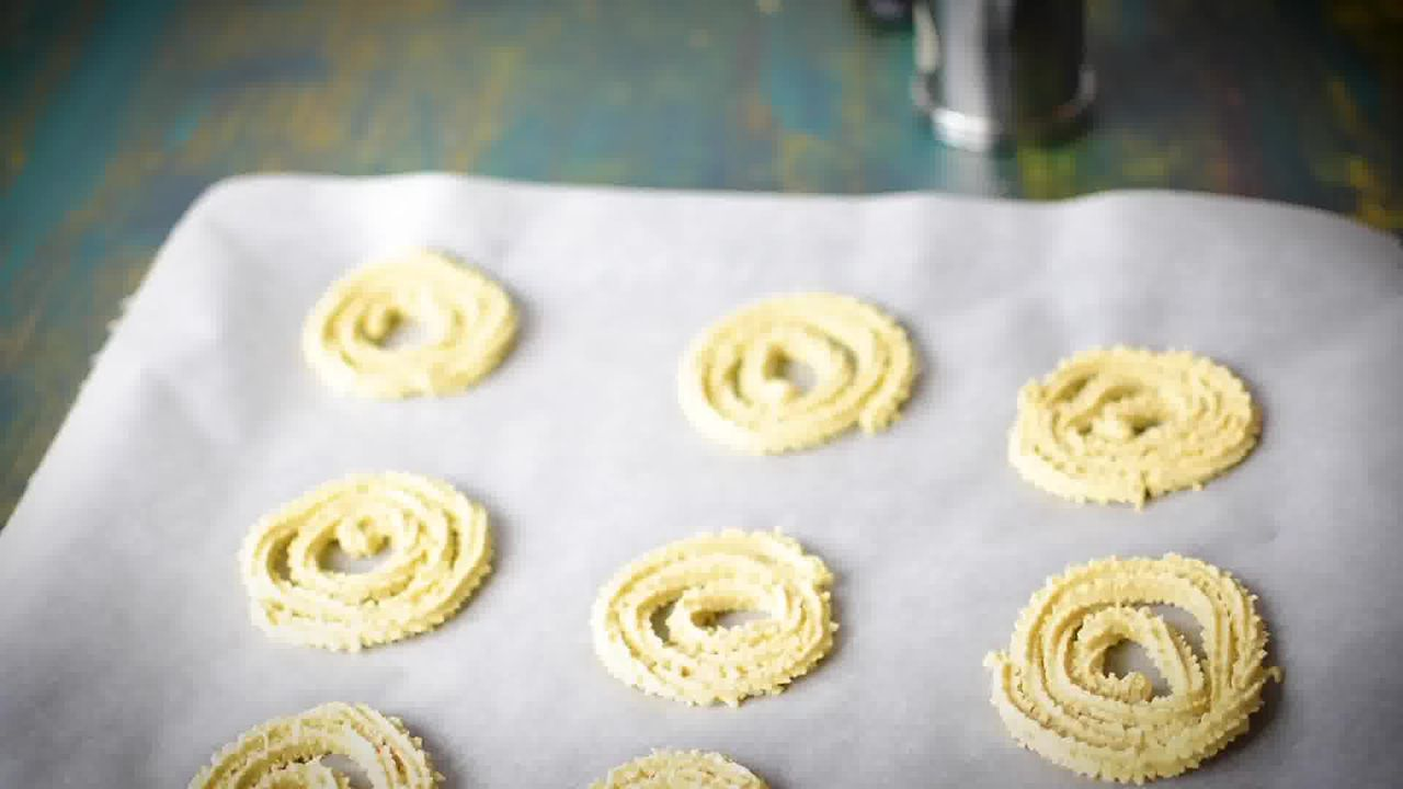 Image of the cooking step-2-5 for Chakli Recipe – Instant Rice Chakli (Fried + Baked)