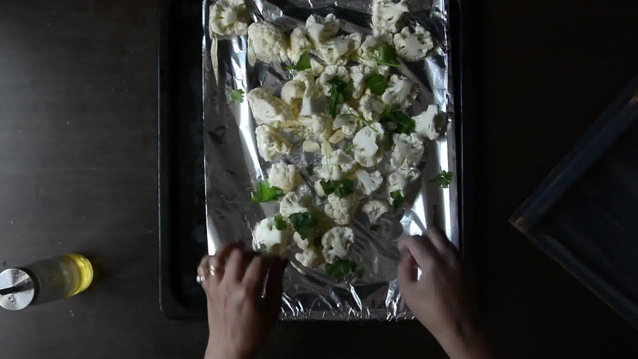 Image of the cooking step-1-4 for Roasted Cauliflower Pilaf With Watermelon Sauce