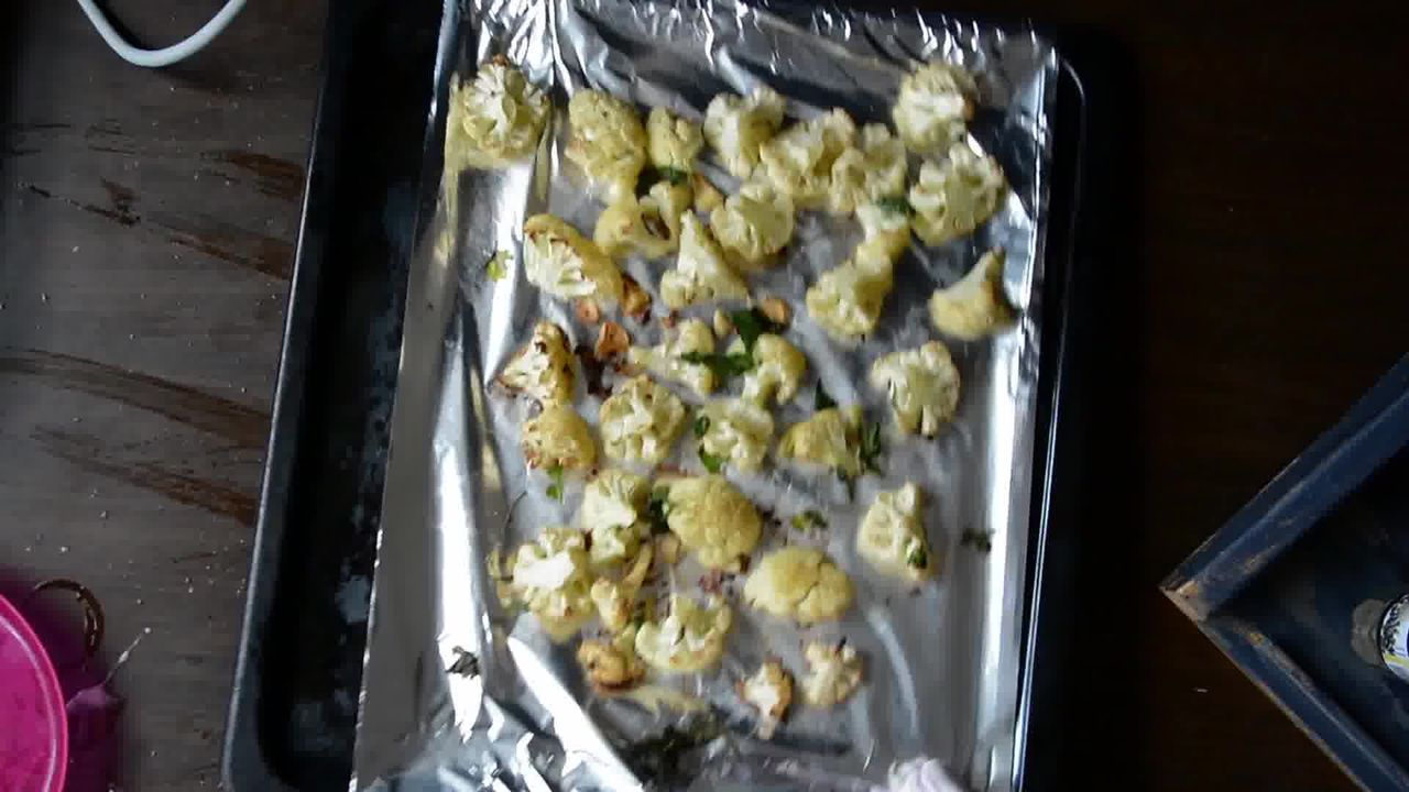 Image of the cooking step-1-5 for Roasted Cauliflower Pilaf With Watermelon Sauce