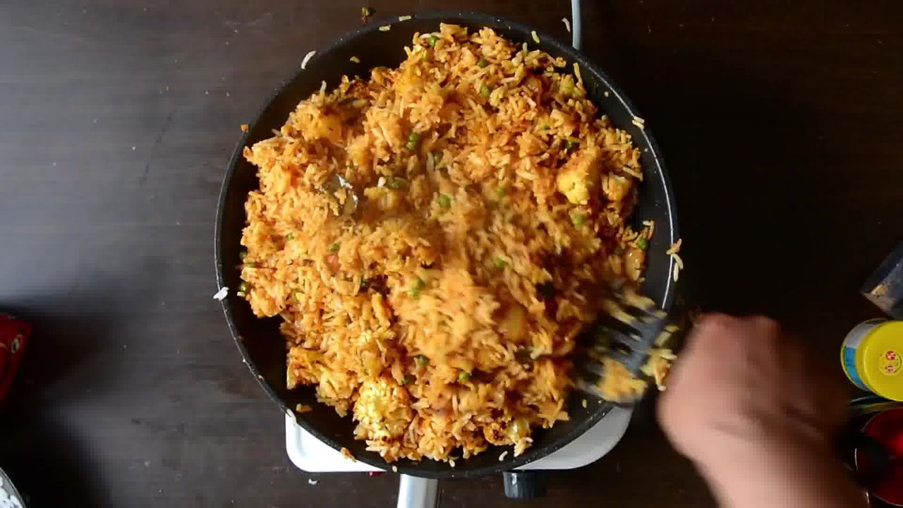 Image of the cooking step-3-12 for Roasted Cauliflower Pilaf With Watermelon Sauce