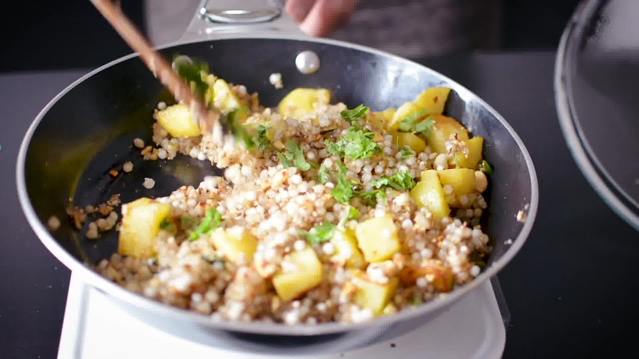 Image of the cooking step-2-12 for Sabudana Khichdi - Tapioca Pearl Stir-Fry