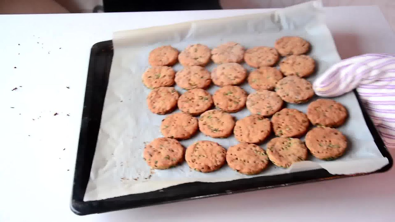 Image of the cooking step-1-11 for Salty-Sweet Whole Wheat Onion Crackers Recipe