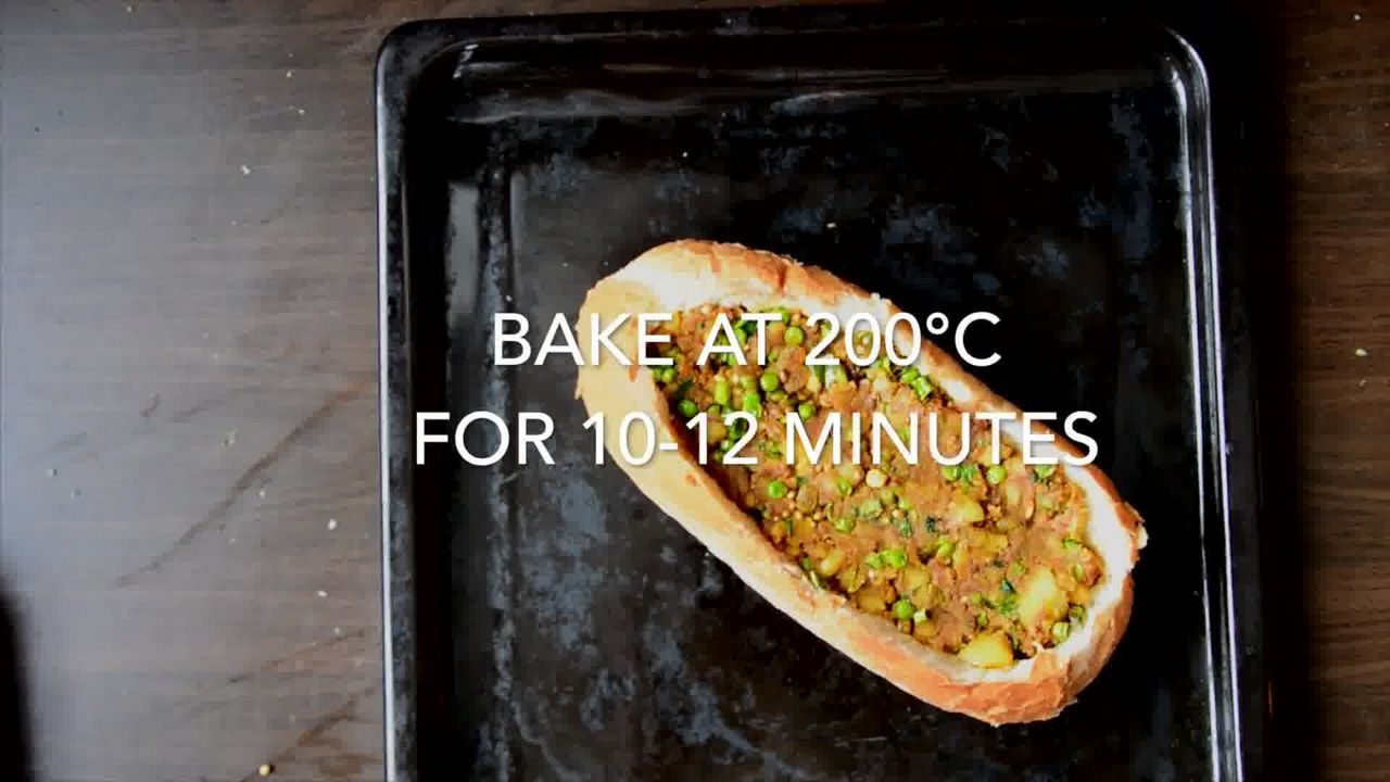 Image of the cooking step-3-5 for Samosa French Loaf With Coriander Chutney (Video)