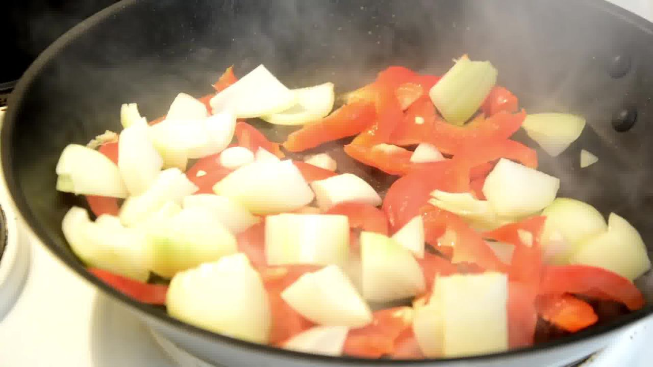 Image of the cooking step-1-3 for Kadai Mushroom (Restaurant Style)