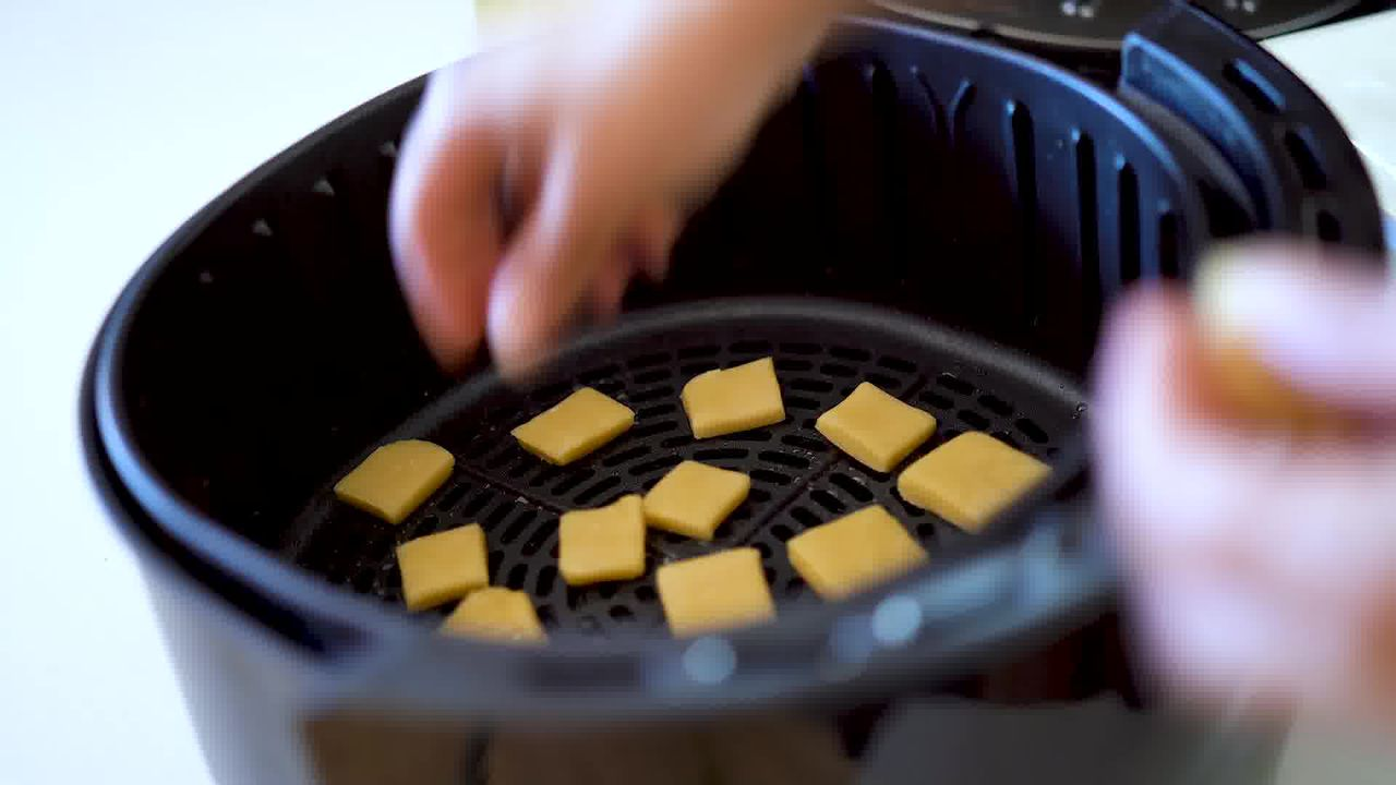 Image of the cooking step-3-2 for Shakkarpara + Shankarpali (Fried, Air Fryer, and Baked Recipe)