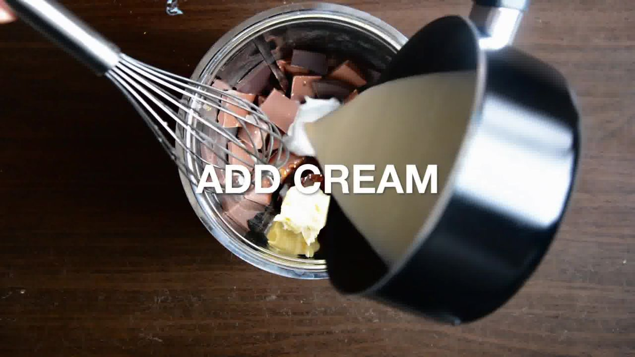 Image of the cooking step-1-10 for Snickers Mini Chocolate Tarts