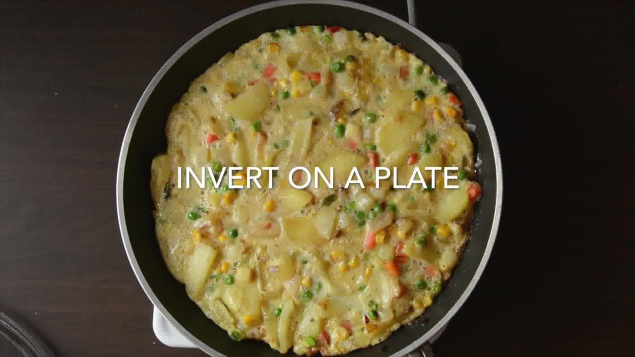Image of the cooking step-1-14 for Spanish Style Omelette Recipe – Tortilla Española