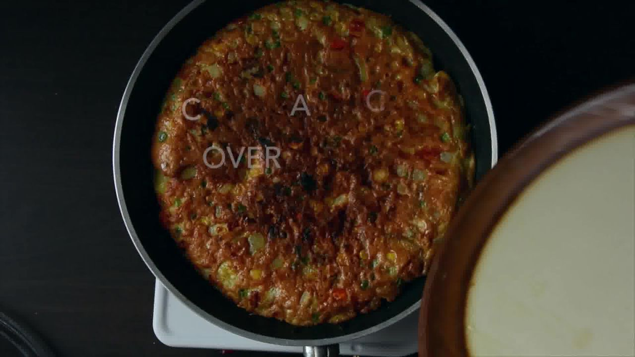 Image of the cooking step-1-17 for Spanish Style Omelette Recipe – Tortilla Española