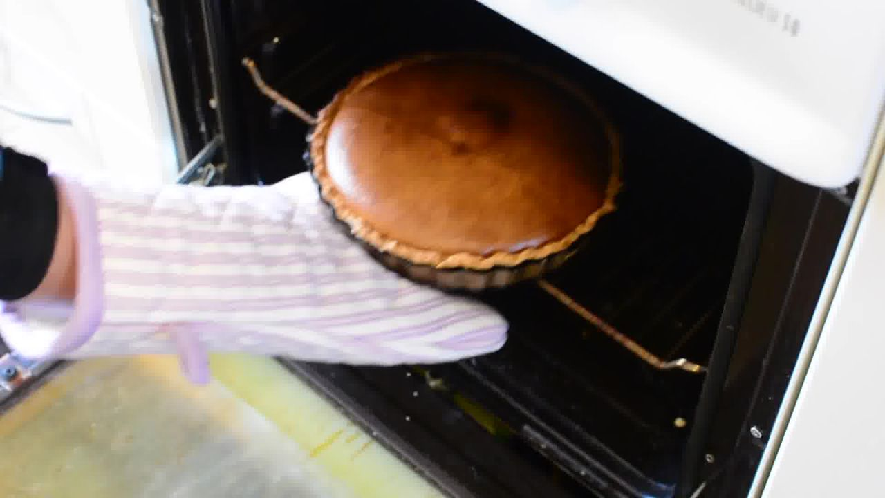 Image of the cooking step-1-11 for Spiced Pumpkin Pie Recipe