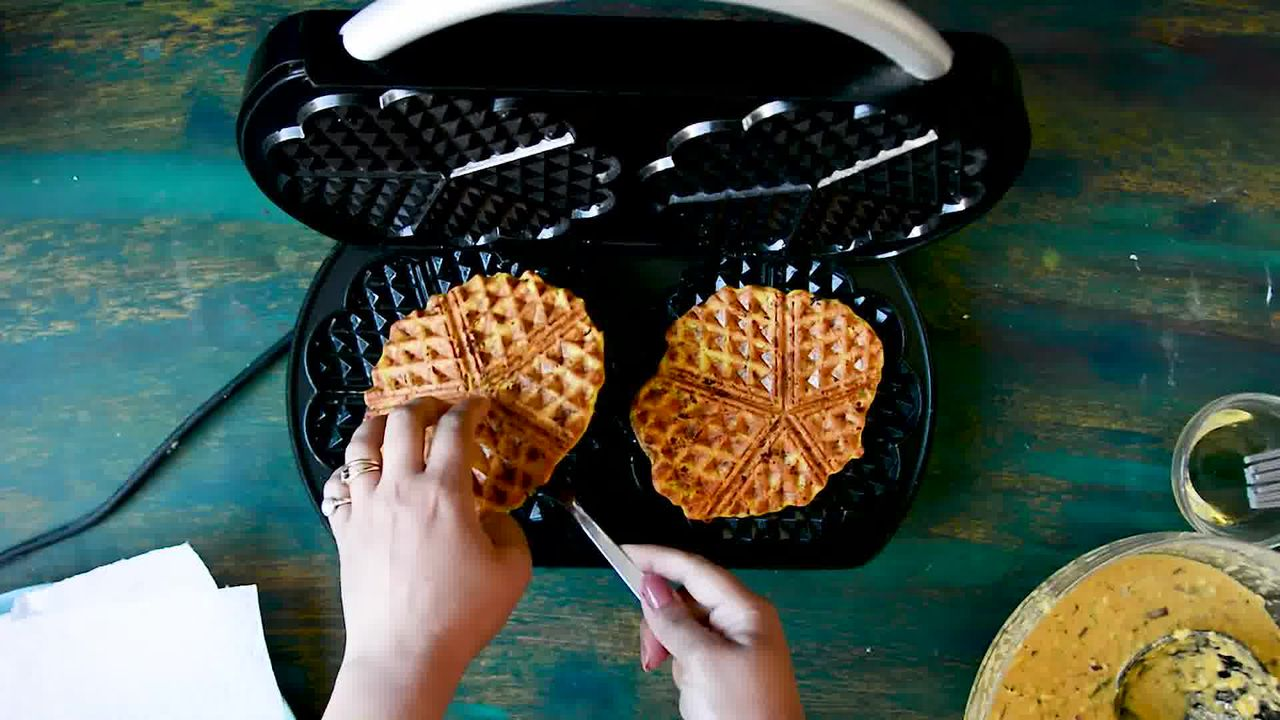 Image of the cooking step-1-8 for Spicy Zucchini Waffles - How to Make Waffled Besan Chilla
