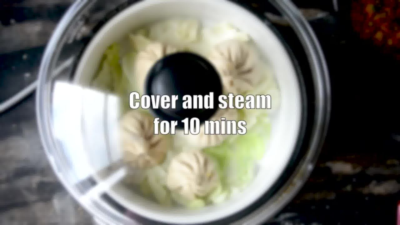 Image of the cooking step-5-3 for Steamed Vegetable Momos With Spicy Chili Chutney - Dim Sum