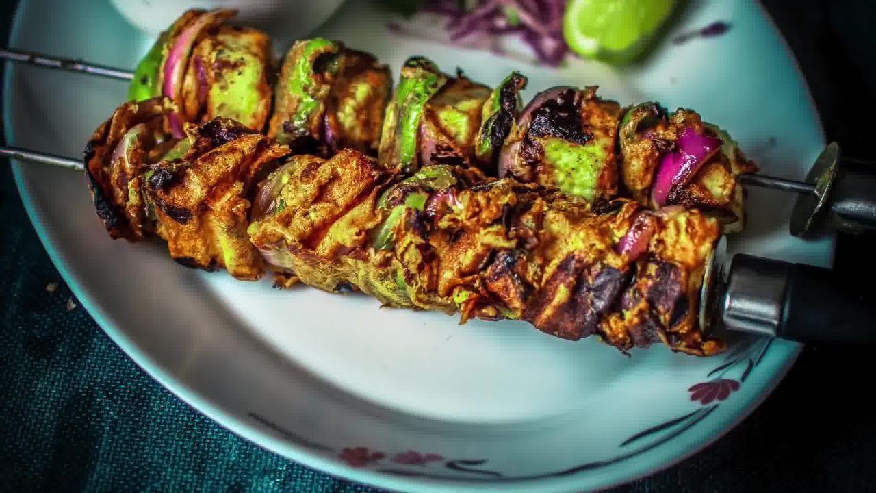 Image of the cooking step-7-2 for Tandoori Paneer Tikka (Oven, Tawa, Grill, Panini Maker)