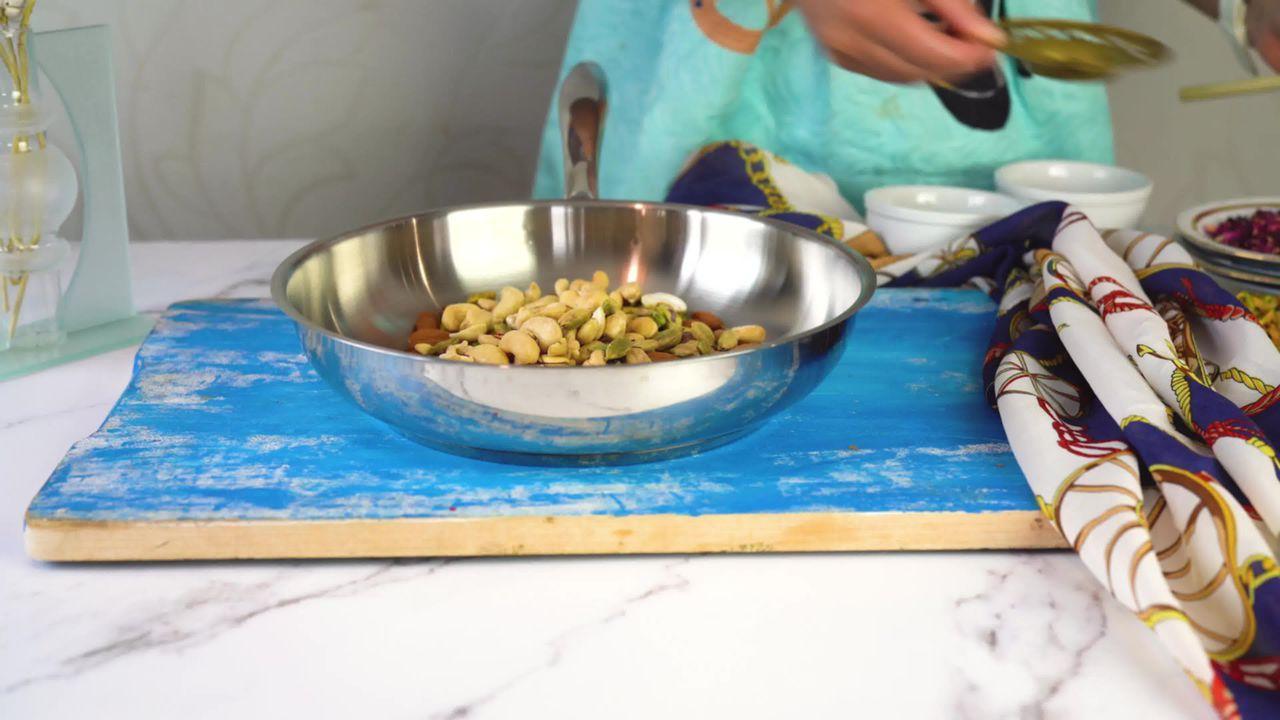 Image of the cooking step-1-1 for Thandai Powder + Thandai Milkshake