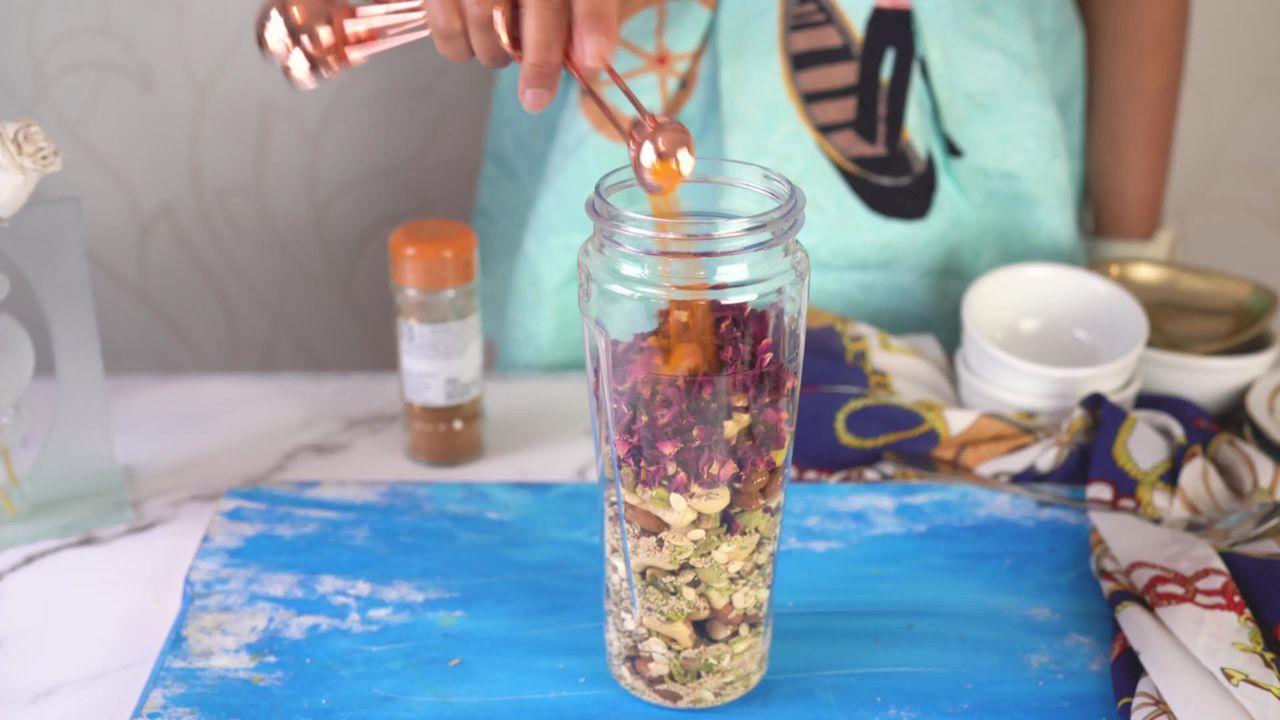 Image of the cooking step-1-8 for Thandai Powder + Thandai Milkshake
