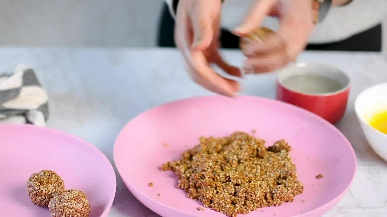 Image of the cooking step-1-11 for Til Laddu - Tilgul (Sesame Seeds Laddu)