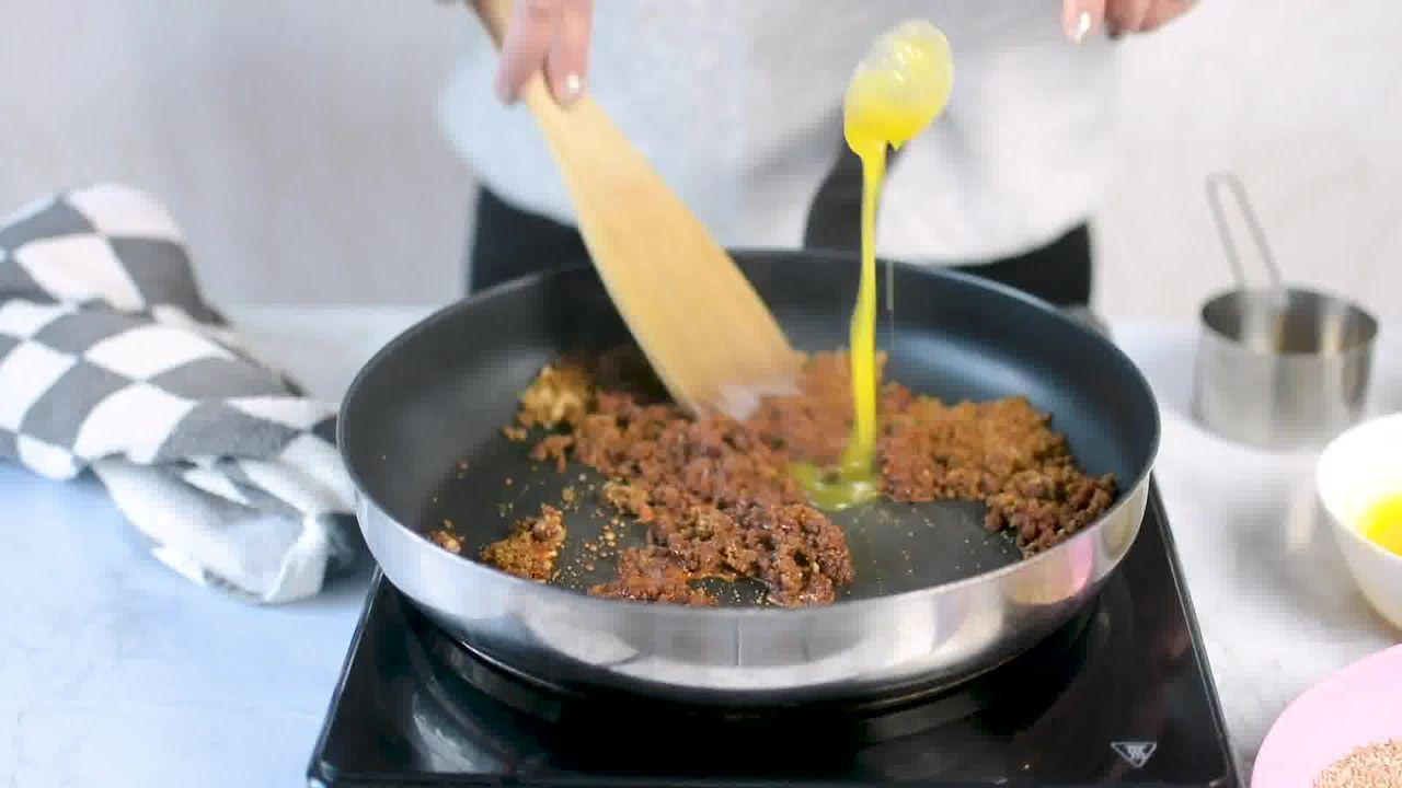 Image of the cooking step-1-5 for Til Laddu - Tilgul (Sesame Seeds Laddu)