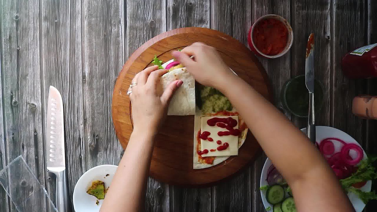 Image of the cooking step-2-6 for TikTok Tortilla Wrap Hack (6 Vegetarian Filling Ideas)