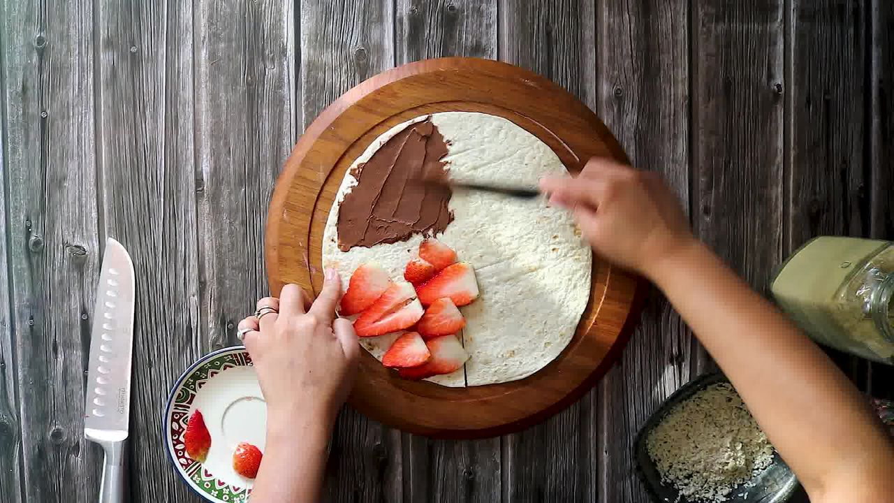 Image of the cooking step-5-3 for TikTok Tortilla Wrap Hack (6 Vegetarian Filling Ideas)
