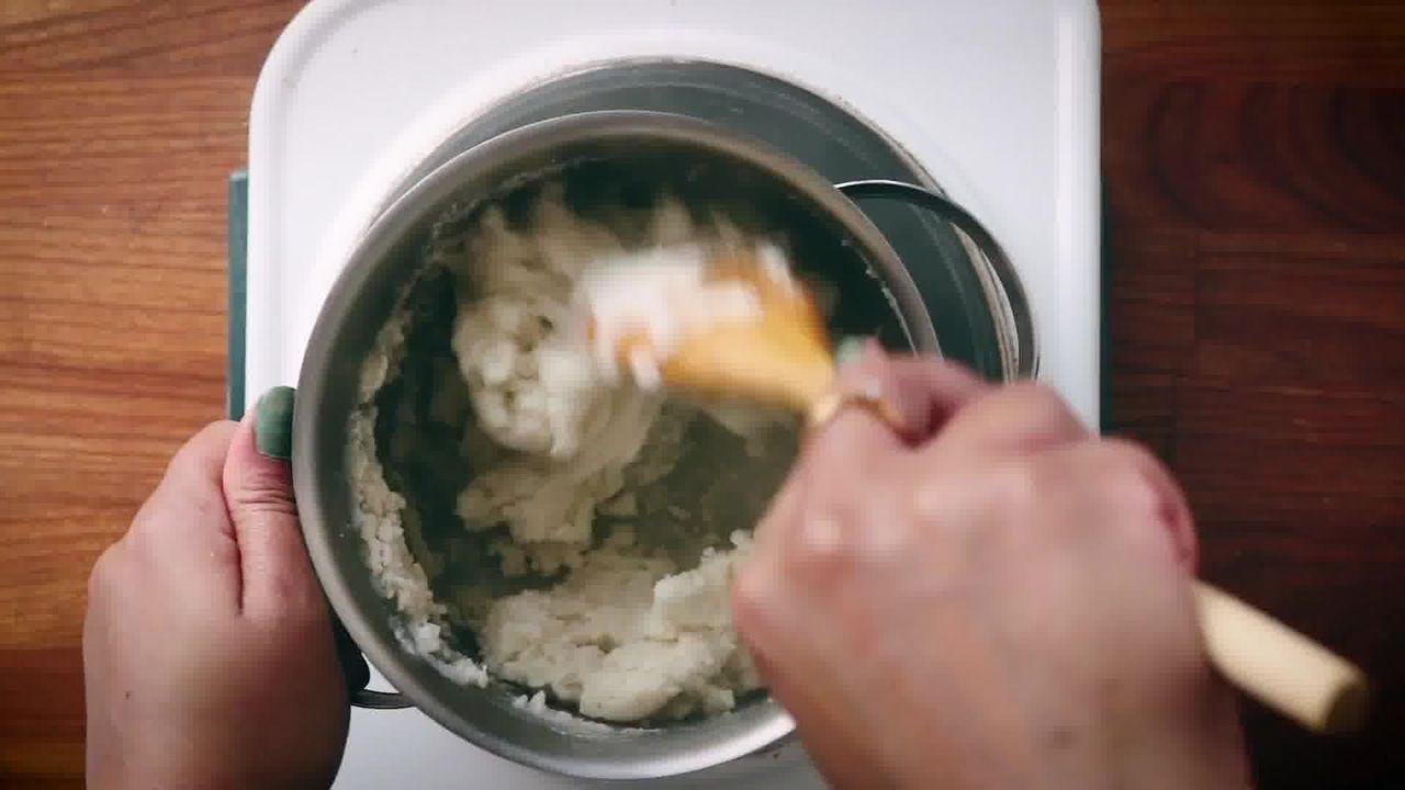 Image of the cooking step-2-4 for Modak Recipe - Ukadiche Modak Recipe - Steamed Modak