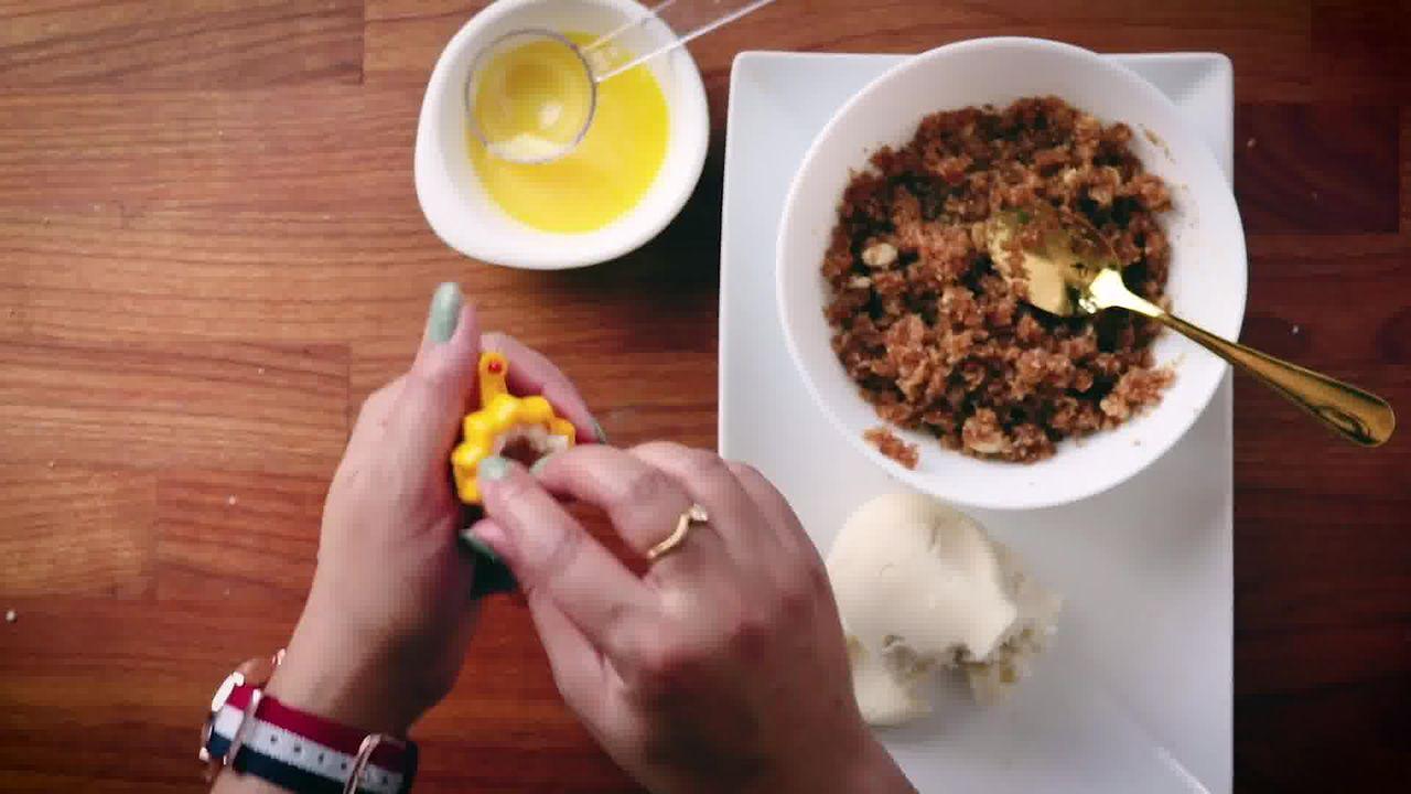 Image of the cooking step-4-3 for Modak Recipe - Ukadiche Modak Recipe - Steamed Modak
