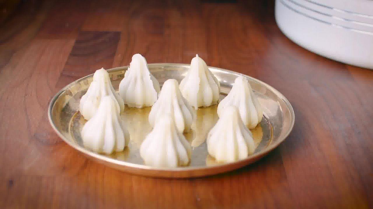 Image of the cooking step-5-7 for Modak Recipe - Ukadiche Modak Recipe - Steamed Modak