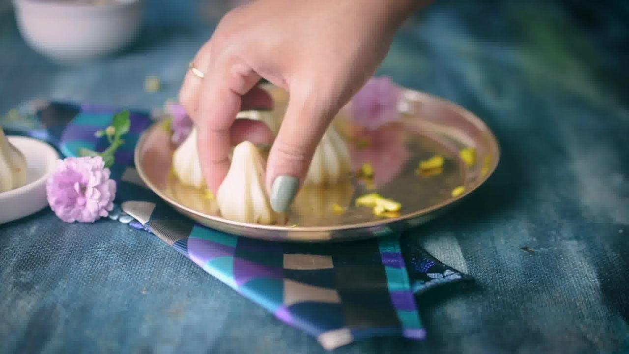 Image of the cooking step-5-8 for Modak Recipe - Ukadiche Modak Recipe - Steamed Modak