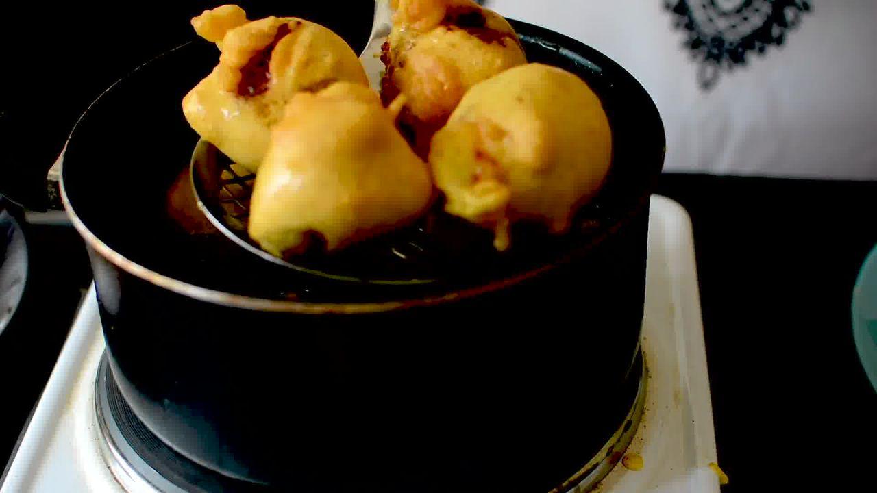 Image of the cooking step-3-3 for Vada Pav Recipe - How To Make Mumbai Vada Pav