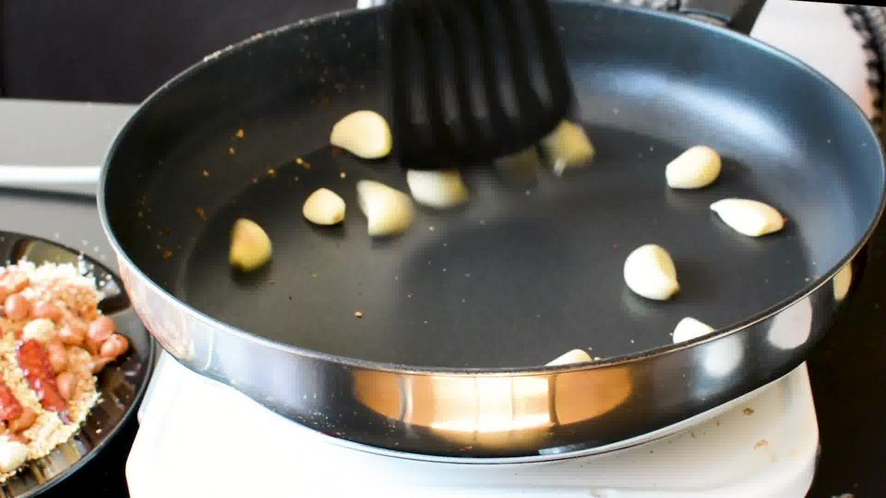 Image of the cooking step-5-5 for Vada Pav Recipe - How To Make Mumbai Vada Pav