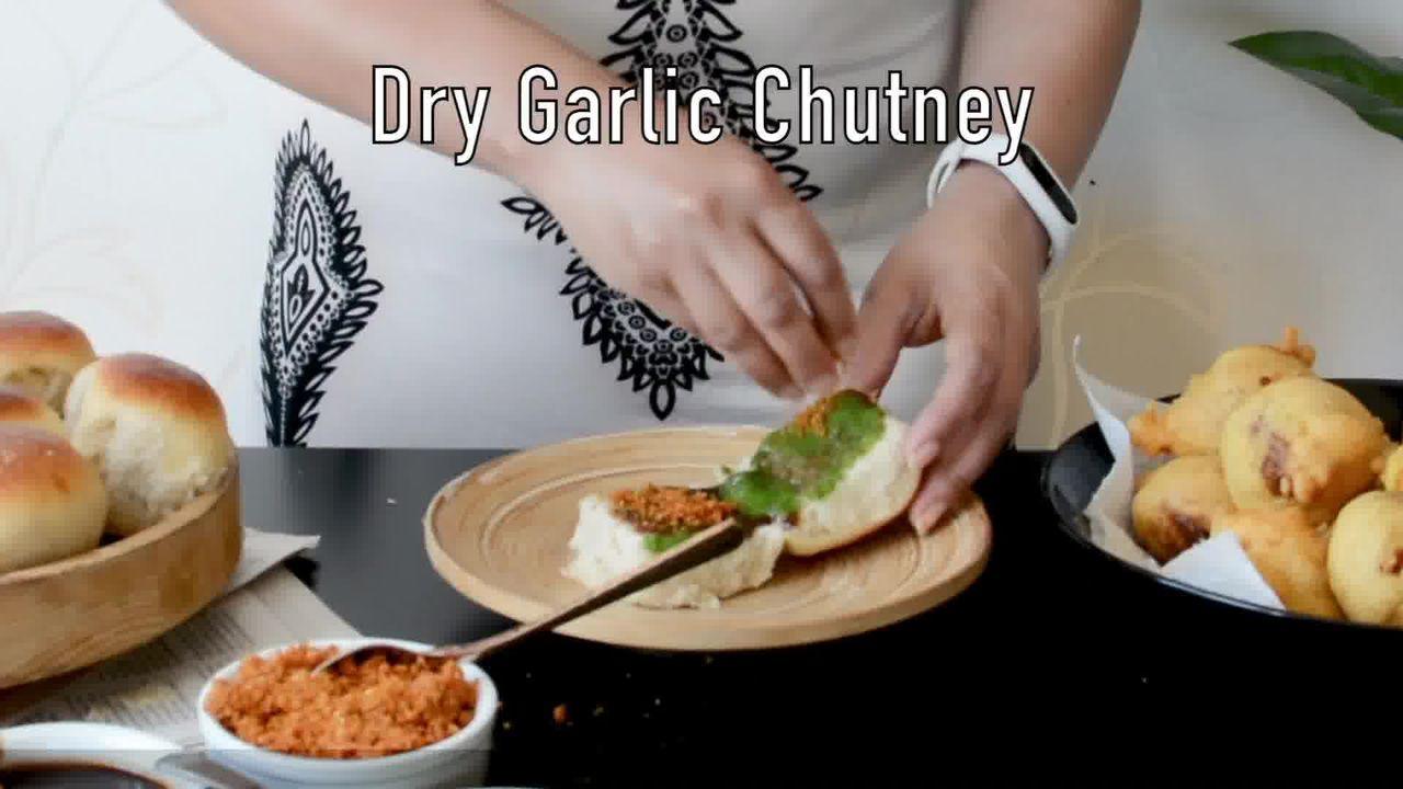 Image of the cooking step-6-3 for Vada Pav Recipe - How To Make Mumbai Vada Pav
