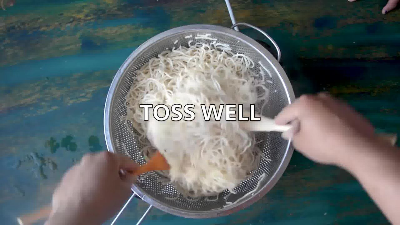 Image of the cooking step-1-4 for Easy Veg Schezwan Noodles Recipe